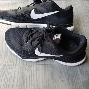 Nike women's flex trainer 6 cross trainer sneakers